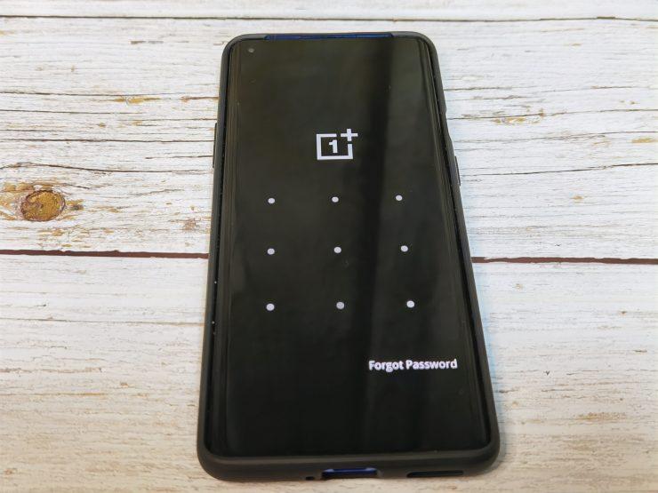 画像に alt 属性が指定されていません。ファイル名: OnePlus-7T-Pro-2-1-740x555.jpg